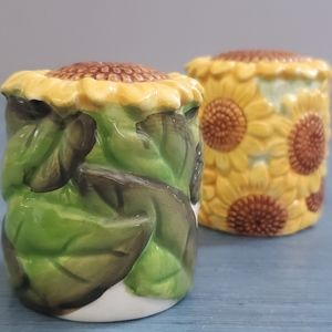 Vintage Sunflower Salt and Pepper Shakers
